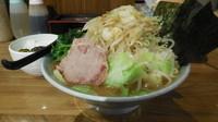 「ラーメン+野菜盛り+半ライス」@横浜家系濃厚とんこつラーメン 竹取家の写真