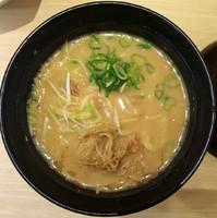 「鶏そぼろ入り西京味噌ラーメン280円+税」@スシロー ミューザ川崎店の写真