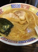 「とんこつ醤油ラーメン」@麻布ラーメン 芝浦店の写真