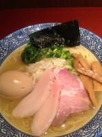 「芳醇香味塩そば+味玉」@麺屋 一燈 ラゾーナ川崎店の写真