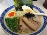 「豚骨らぁめん クーポンで600円」@麺絆景勝軒 伊勢崎日乃出町店の写真