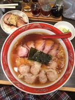 「チャーシューワンタンメン1340円、炙りチャーシュー丼ランチ20」@支那ソバ かづ屋 五反田店の写真