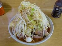 「ラーメン(670円)+うずら+TARO ヤサイニンニク」@ラーメン二郎 栃木街道店の写真