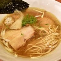 「味玉塩ラーメン(800円?)」@自家製麺 えなみの写真