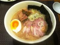「肉のせラーメン 1080円」@野方ホープ 元住吉店の写真