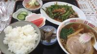 「ランチ  ピーマンと豚肉の細切りライスと支那そば 750円」@香蘭の写真