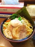 「辛豚ラーメン750円カタメコイメチャーシュー(濱虎カード)」@濃厚豚骨ラーメン 濱虎家の写真