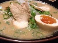 「鶏こつ麺」@やぶ家 神戸新長田店の写真
