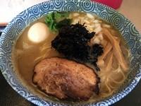 「コク旨煮干し中華そば・細麺(800円)」@朝日屋の写真