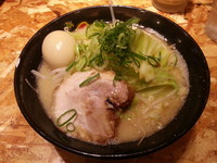 「濃厚豚骨野菜らーめん・・650円」@濃厚とんこつらーめん オハナ堂の写真