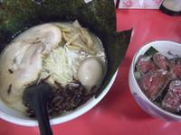 「塚越ラーメン+ローストビーフ丼(1250円)」@塚越ラーメンの写真