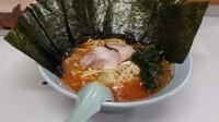 「辛味噌ラーメン(麺硬め・味濃いめ)+海苔(クーポンサービス)」@ラーメン屋 けんの写真