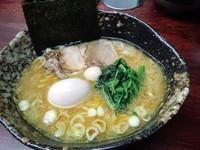 「らぁ麺700円固め+味玉100円」@麺場 ちゃっちゃかの写真
