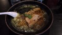 「らーめん(醤油味) 630円」@らーめん屋 豪快の写真