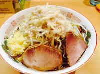 「オーション¥740(ニンニク、アブラ)」@らー麺 シャカリキの写真