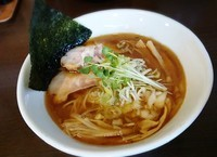「秋刀魚 醤油ラーメン 大盛800円」@つけ麺 弥七の写真