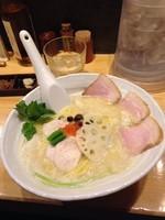 「鶏白湯SOBA(大)チャーシュートッピング」@銀座 篝の写真