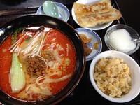 「刀削担々麺(ランチセット+餃子・チャーハン+コーヒー)」@中華料理 海華 立石南口店の写真