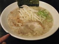 「しおらーめん650円+替え玉120円」@味噌麺 伝堂の写真