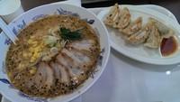 「ごま味噌チャーシュー麺、大盛、餃子セット」@幸楽苑 島忠ホームズ町田店の写真