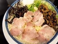 「W辛子高菜ラーメン」@博多ラーメン しばらく 西新店の写真