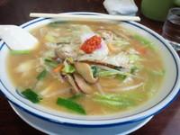 「しいたけ味噌ラーメン 680円、辛子 50円」@まるた食堂の写真