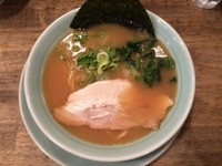 「醤油豚骨ラーメン」@横浜醤油豚骨ラーメン 銀十の写真