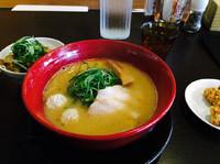 「日替わりランチ 白味噌ラーメン 唐揚げ付き+チャーシュー丼100」@みつか坊主 醸の写真