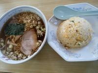 「ラーメン+半チャーハンセット750円」@昇龍飯店の写真