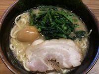 「ラーメン(並)」@横浜家系ラーメン 壱角家 勝どき店の写真