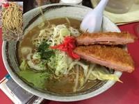 「ソースらーめんハムカツのせ」@中華料理 大輦の写真