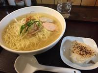 「あら炊き塩ラーメン(焼きおにぎりセット)」@麺屋 海神の写真