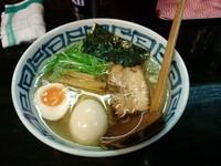 「濱塩らぁめん+煮玉子」@濱塩らぁめん 白虎の写真