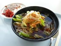 「野菜そば+ミニカレー(420円)職員価格」@鮫洲食堂の写真