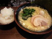 「塩ラーメン680円(ライス付き)」@横濱家系ラーメン 秋津商店の写真