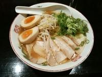 「広島らーめん+チャーシュー+煮玉子」@らーめん がらくの写真