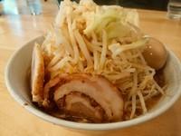 「らー麺680円を 味玉子80円麺マシ!野菜マシニンニク!」@麺屋 愛0028の写真