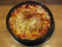 「真紅ラーメン800円」@麺でる 真紅 大岡山店の写真