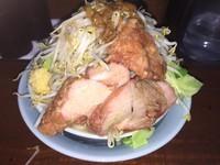 「小ラーメン(750円)+生玉子(50円)」@立川マシマシの写真
