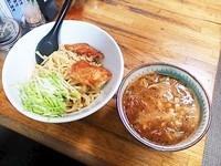 「トマトつけ麺+ミニローストビーフ丼」@塚越ラーメンの写真