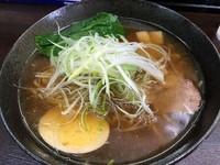 「醤油ラーメン(海老だし)700円」@鶏っくすたーの写真