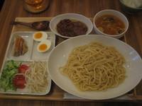 「肉ジャージャン麺(酸辣湯付き・半ライス無料)880円」@新北京の写真