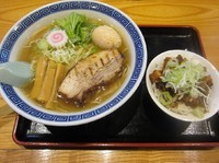 「あっさり塩そば+味玉(830円)」@常勝軒 総本店の写真