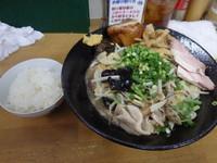 「餡かけ揚げ蕎麦(豚骨バージョン)+α」@MENYA 食い味の道有楽の写真