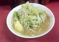 「少なめ(野菜少なめ・にんにく)」@ラーメン二郎 ひばりヶ丘駅前店の写真