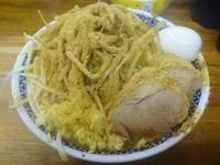 「小ラーメン(730円)+かつお魚粉+煮玉子 ニンニク」@ラーメン二郎 新小金井街道店の写真