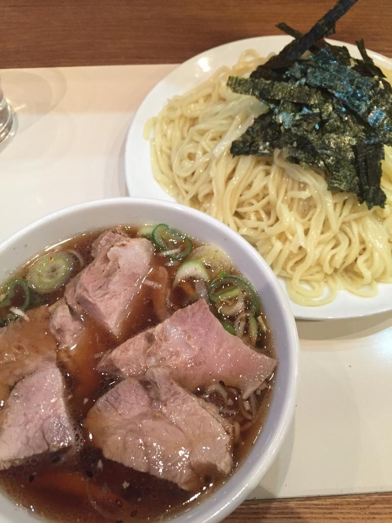 【新宿】縁が見えないほどのチャーシューも!肉肉しさ抜群のラーメン屋5選