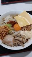 「まぜそば 味薄め」@ジャンクガレッジ 甲府昭和店の写真