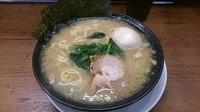 「ラーメン味たま790円」@横浜家系ラーメン 巣鴨家の写真