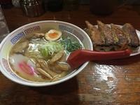 「東京ラーメン 並(680円)+餃子(350円)」@日の出製麺所の写真